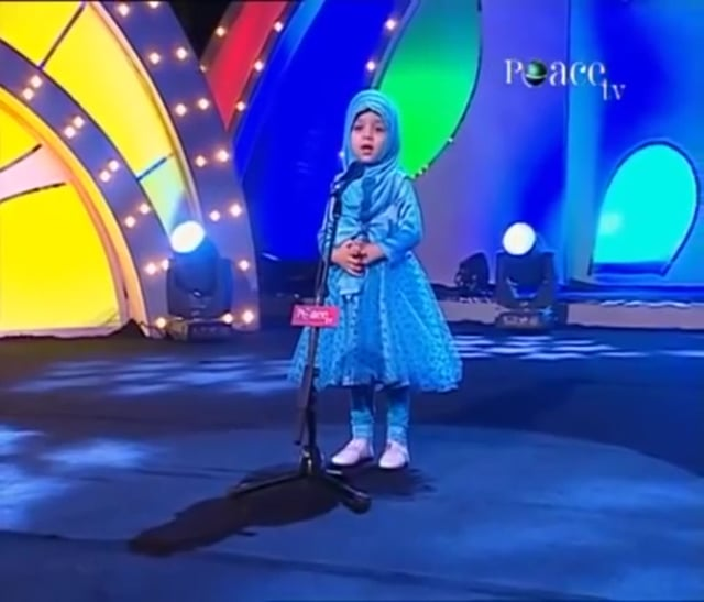 4 Year Old Girl Islam Speech Brings Tears & Cheers
