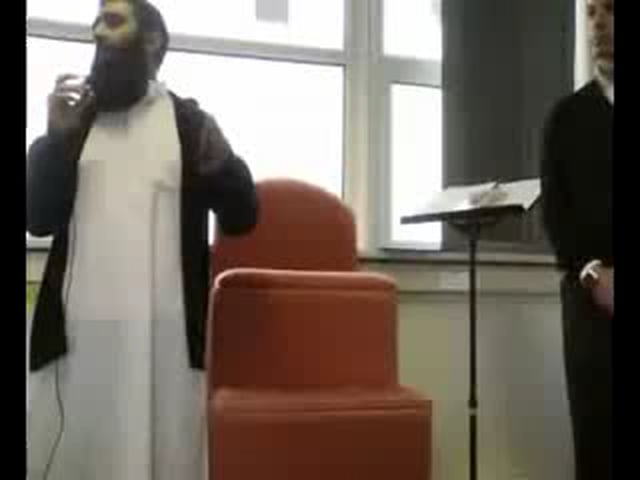 British Man Accepts Islam